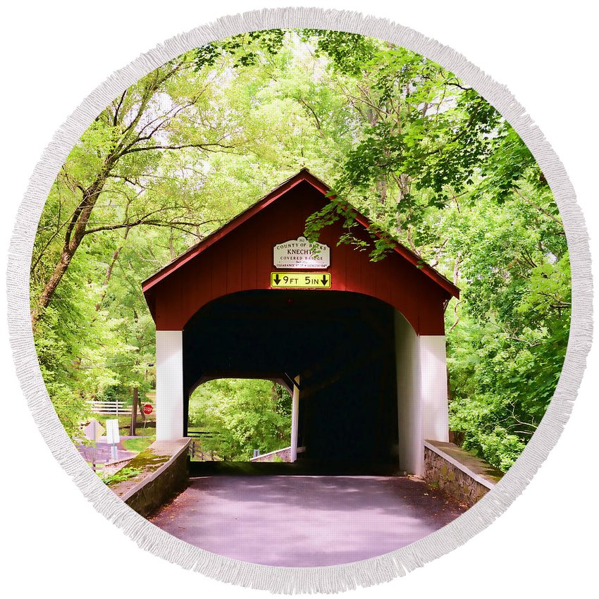Covered Bridge Round Beach Towel featuring the photograph Knecht's Covered Bridge by Paul Ward