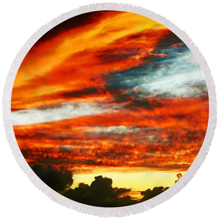 David Lawson Photography Round Beach Towel featuring the photograph Kona Sunset 77 Lava In The Sky by David Lawson
