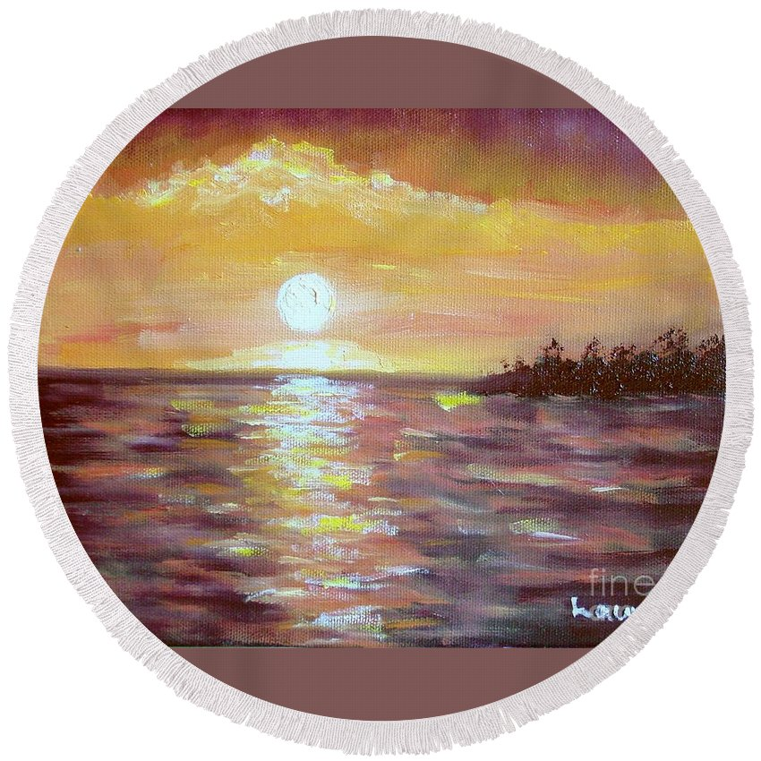 Sunset Round Beach Towel featuring the painting Kona Sunset by Laurie Morgan