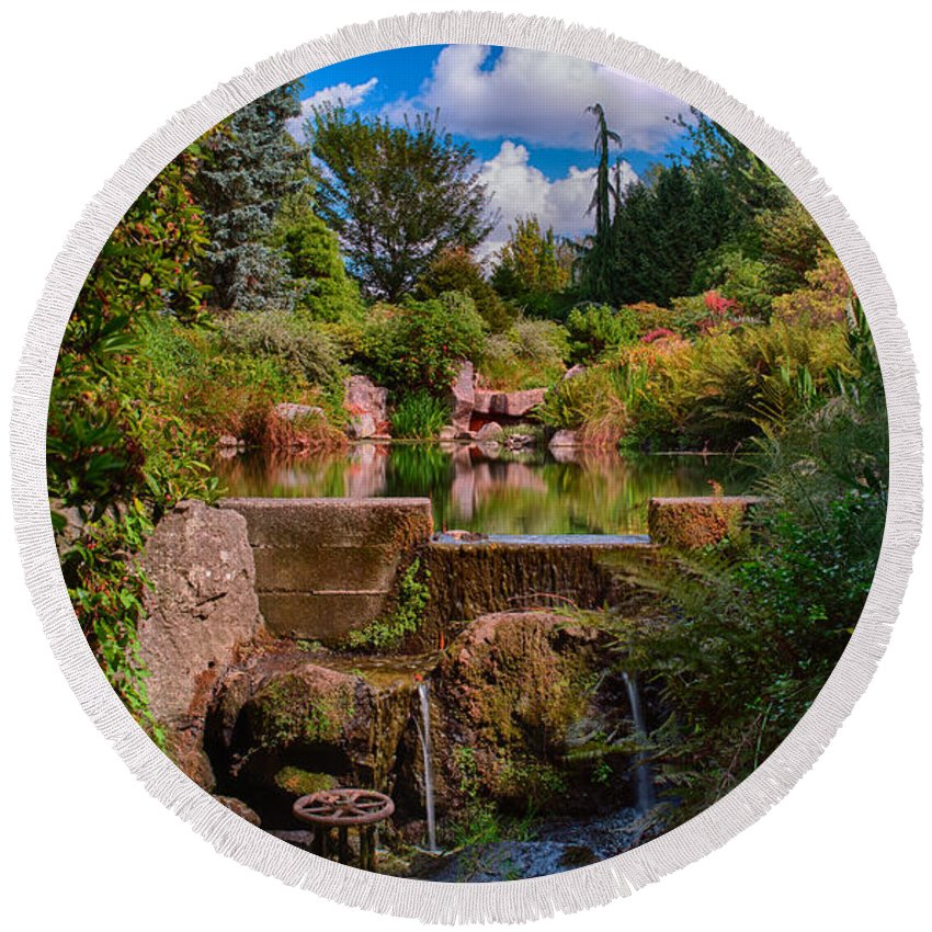 Seattle Round Beach Towel featuring the photograph Kubota Garden Pond by Jonah Anderson