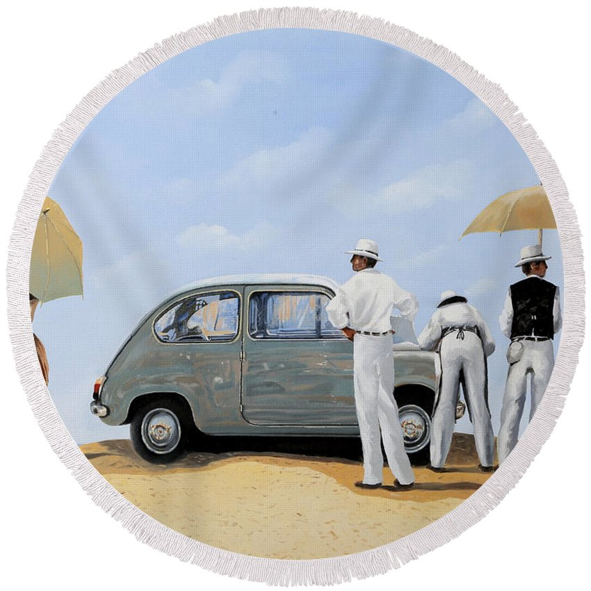 Car Round Beach Towels