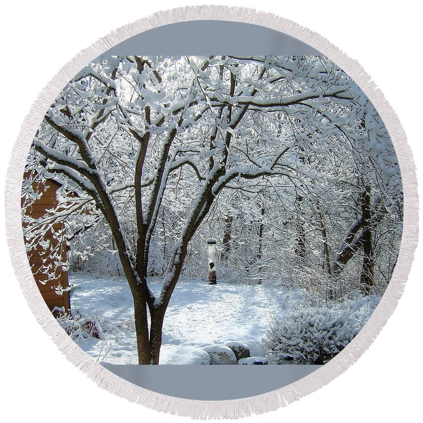 Lacy Round Beach Towel featuring the photograph Lacy Snowfall by Susan Wyman