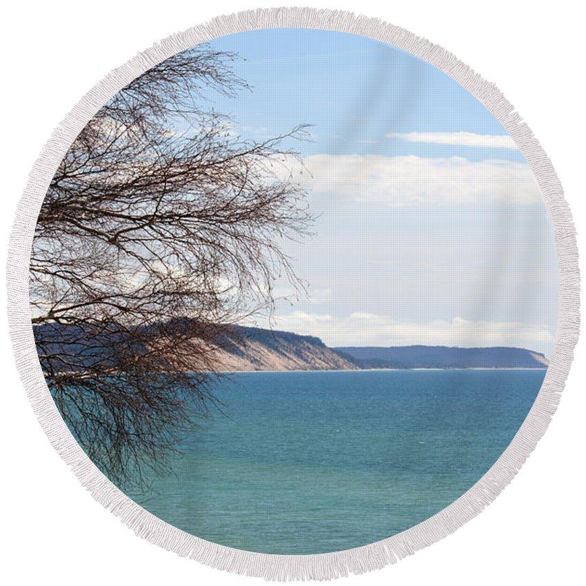 Bluffs Round Beach Towel featuring the photograph Lake Michigan Bluffs by Linda Kerkau