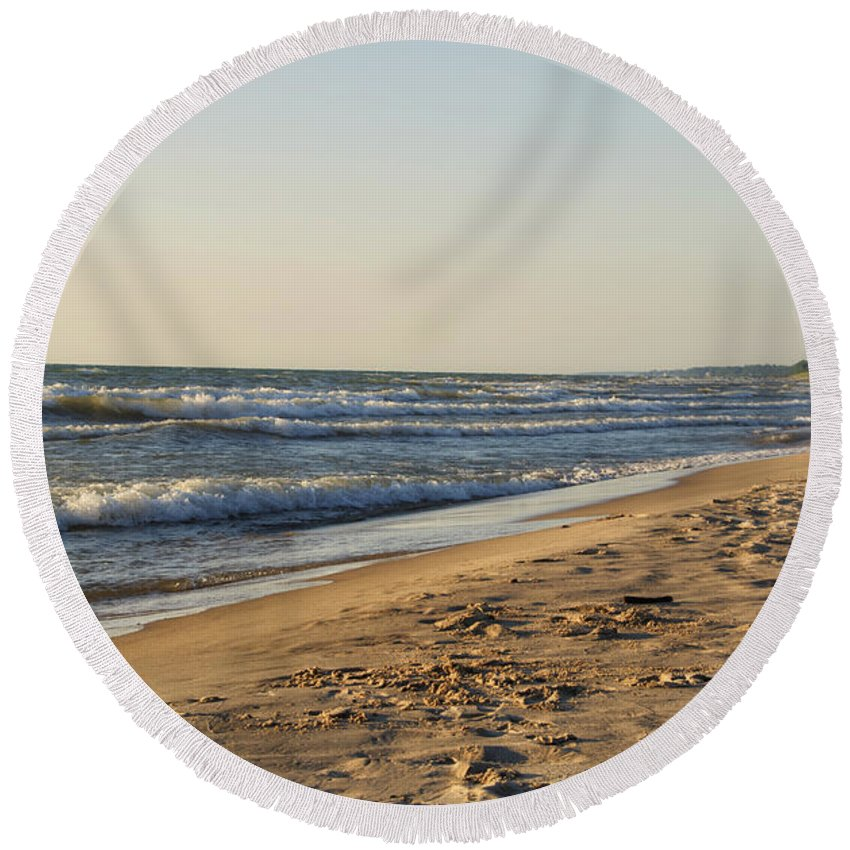 Lake Michigan Round Beach Towel featuring the photograph Lake Michigan Shoreline 02 by Thomas Woolworth