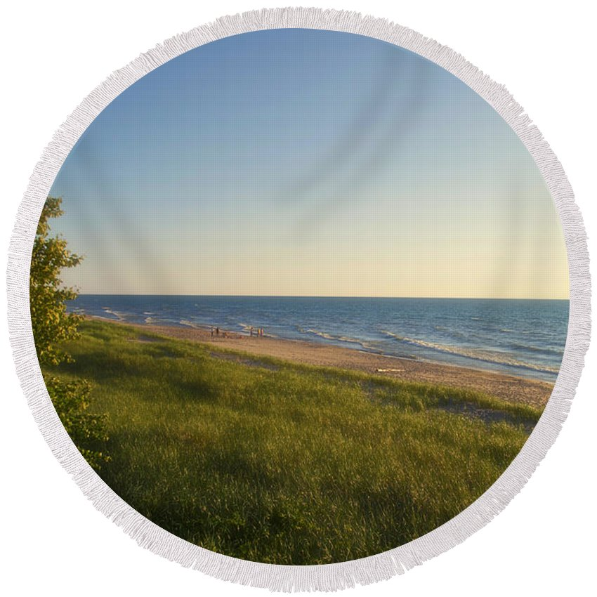 Lake Michigan Round Beach Towel featuring the photograph Lake Michigan Shoreline 05 by Thomas Woolworth