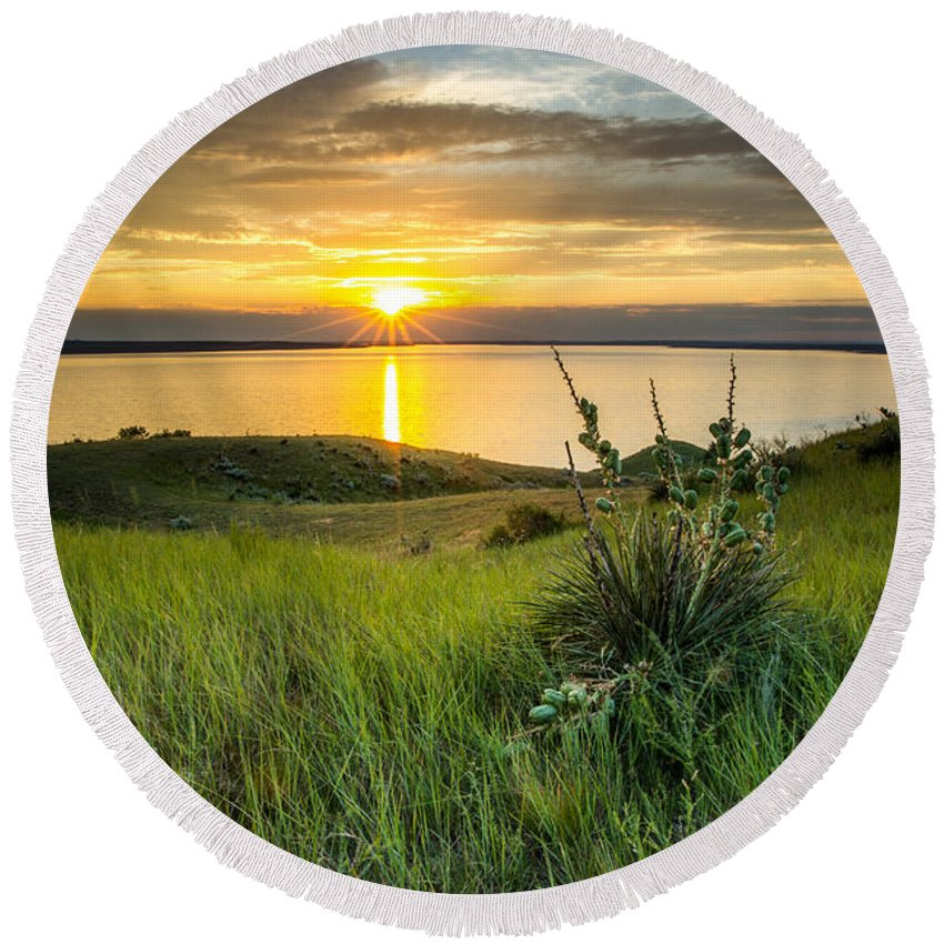 Lake Round Beach Towel featuring the photograph Lake Oahe Sunset by Aaron J Groen