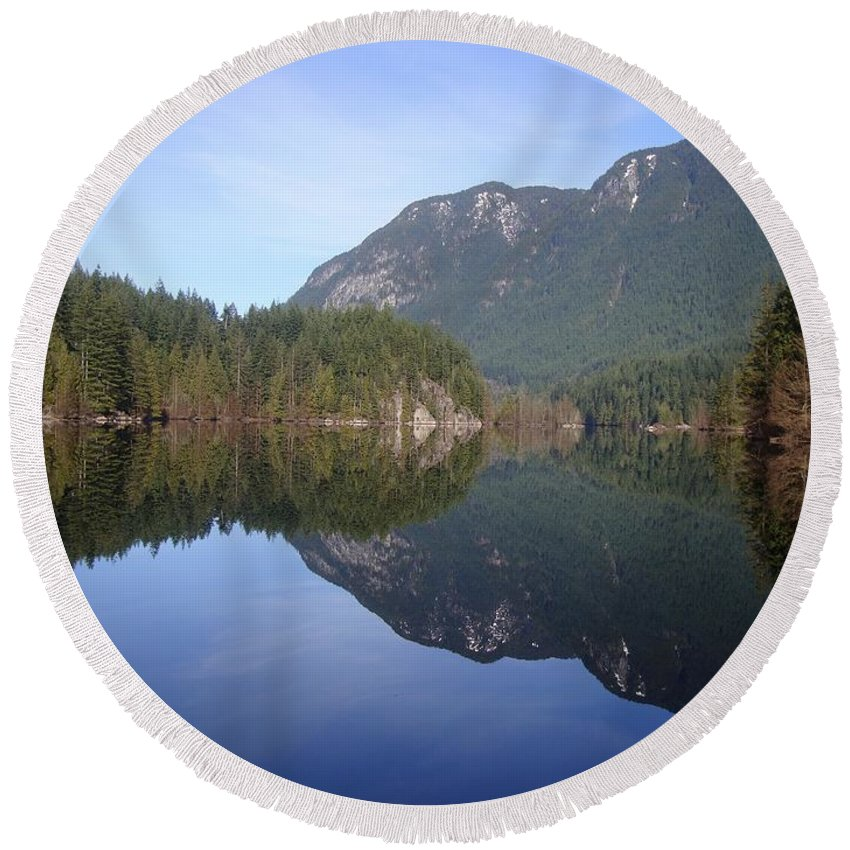 Mountain Round Beach Towel featuring the photograph Buntzen Lake, Bc Reflections by Ian Mcadie