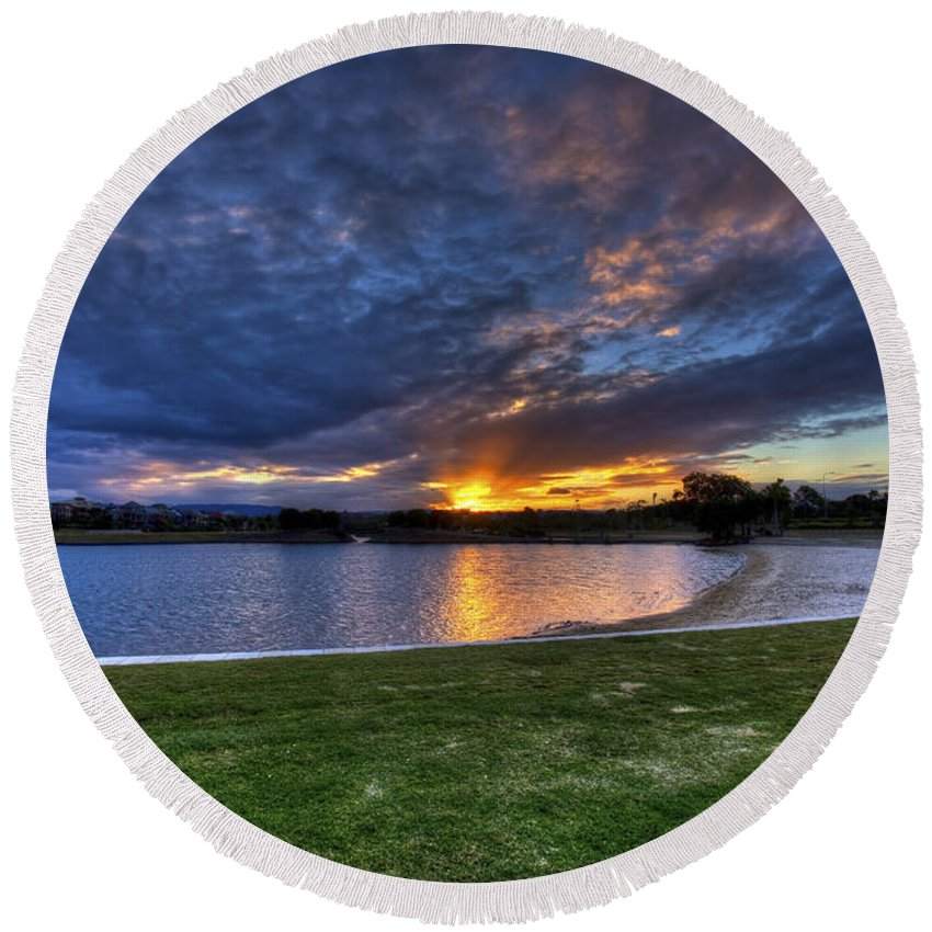 Sunset Round Beach Towel featuring the photograph Lake Sunset by Darren Burton