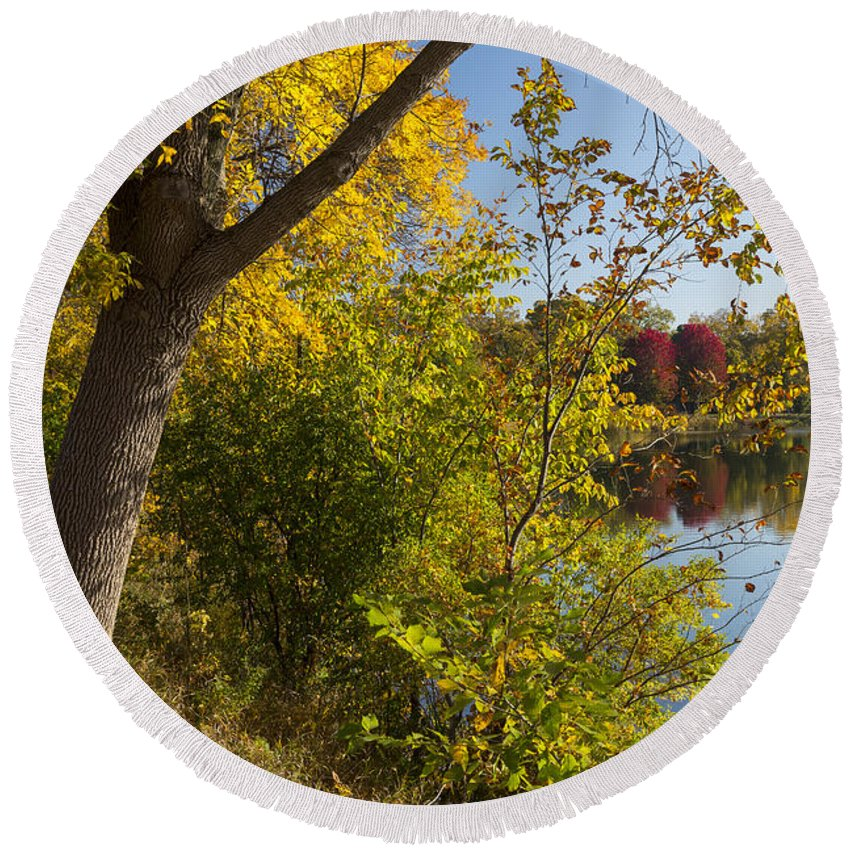 Lake Round Beach Towel featuring the photograph Lake Winona Autumn 14 by John Brueske