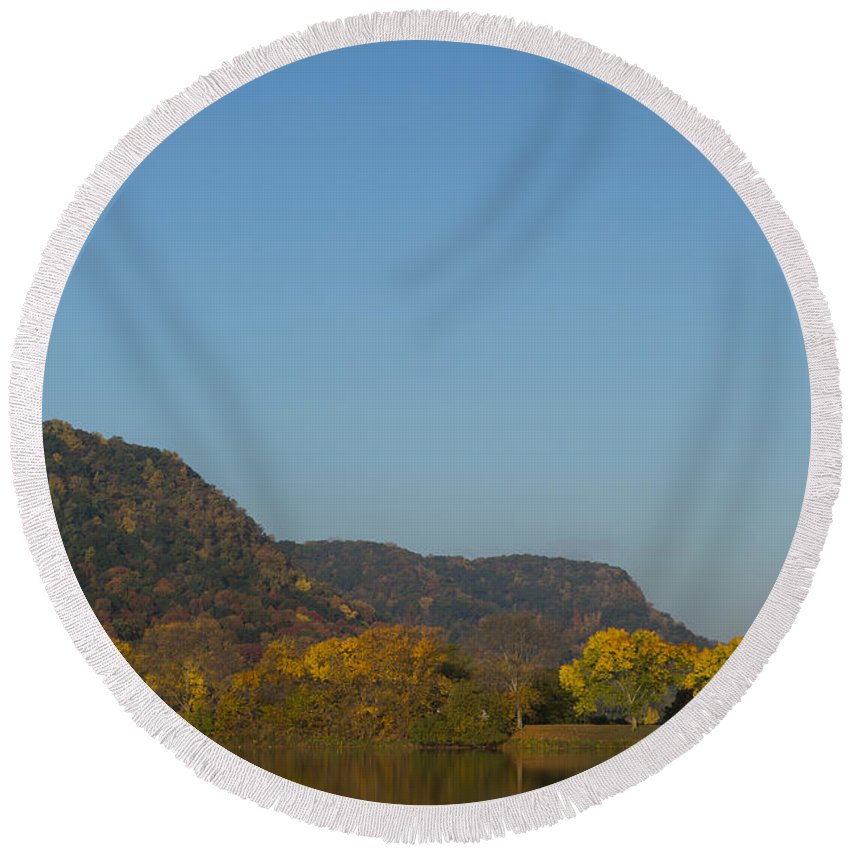 Lake Round Beach Towel featuring the photograph Lake Winona Autumn 6 by John Brueske