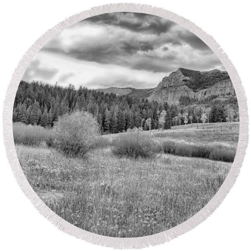 Lamar Valley Round Beach Towel featuring the photograph Lamar Valley Looking Towards Specimen Ridge Bw- Yellowstone by Belinda Greb