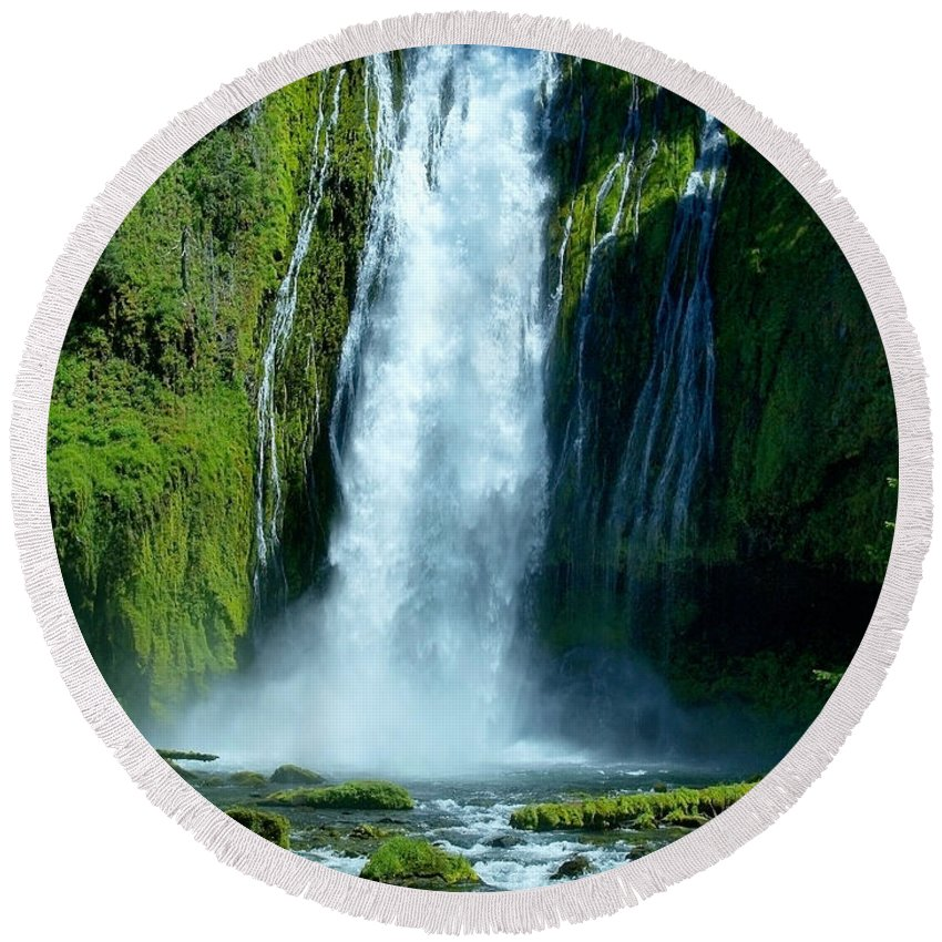 Water Round Beach Towel featuring the photograph Lamolo Falls by Teri Schuster