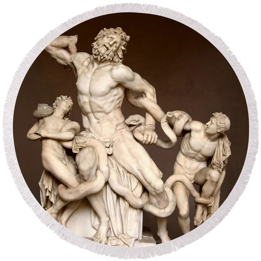 Laocoon And Sons Round Beach Towel featuring the photograph Laocoon And Sons by Ellen Henneke