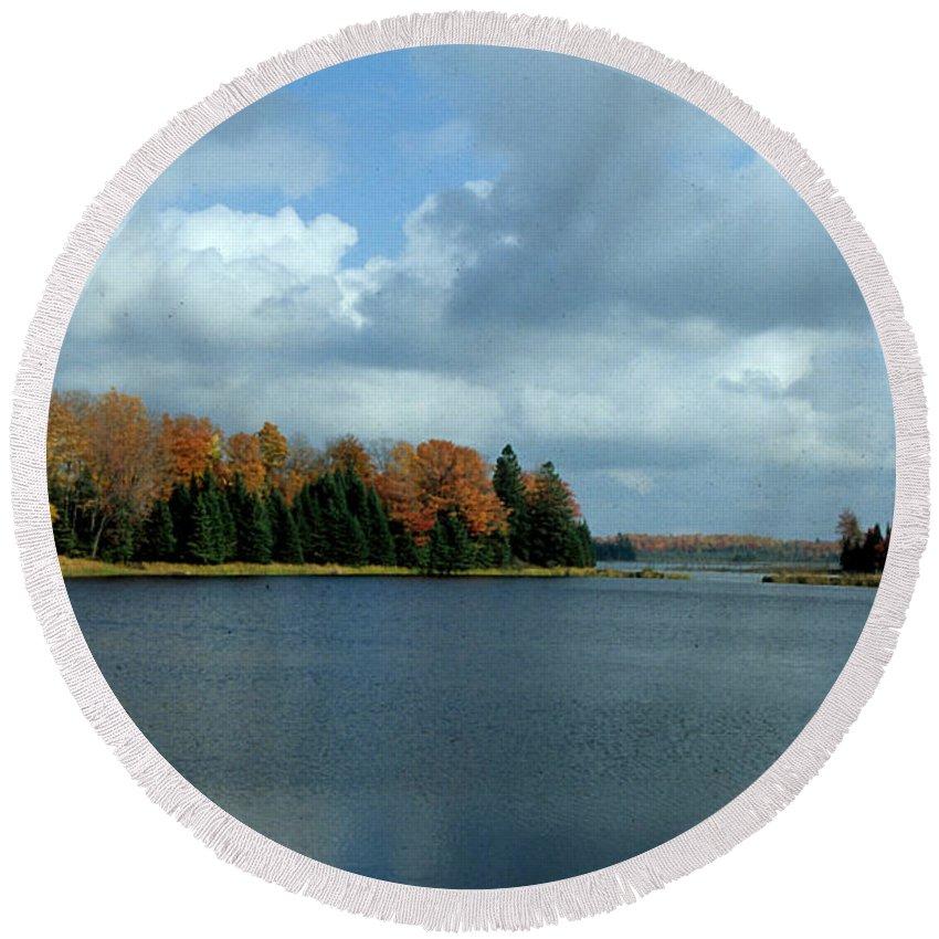 Upper Peninsula Michigan Round Beach Towel featuring the photograph Late Autumn Splendor by Kim Ruley