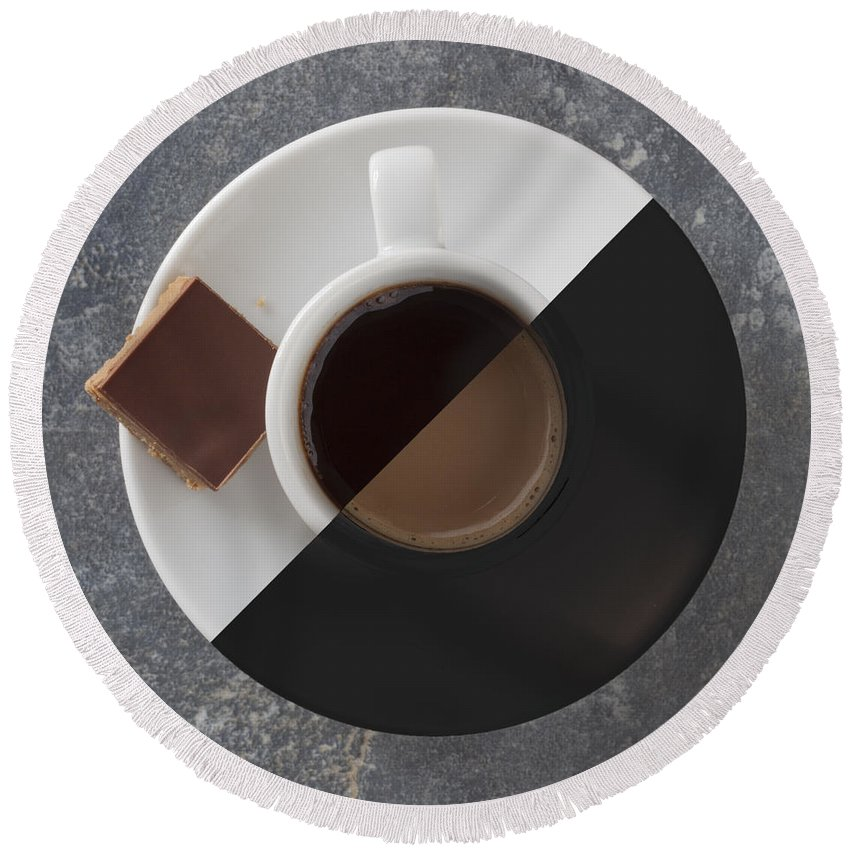 Latte Round Beach Towel featuring the photograph Latte Or Espresso by Liz Leyden