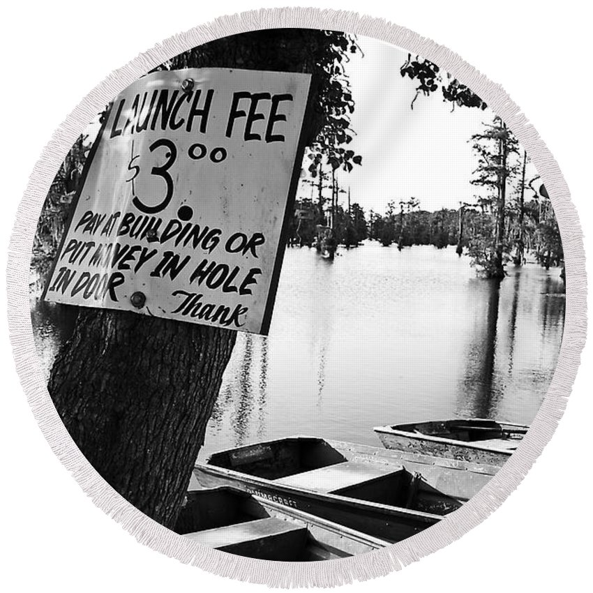 Black & White Round Beach Towel featuring the photograph Launch Fee -bw by Scott Pellegrin