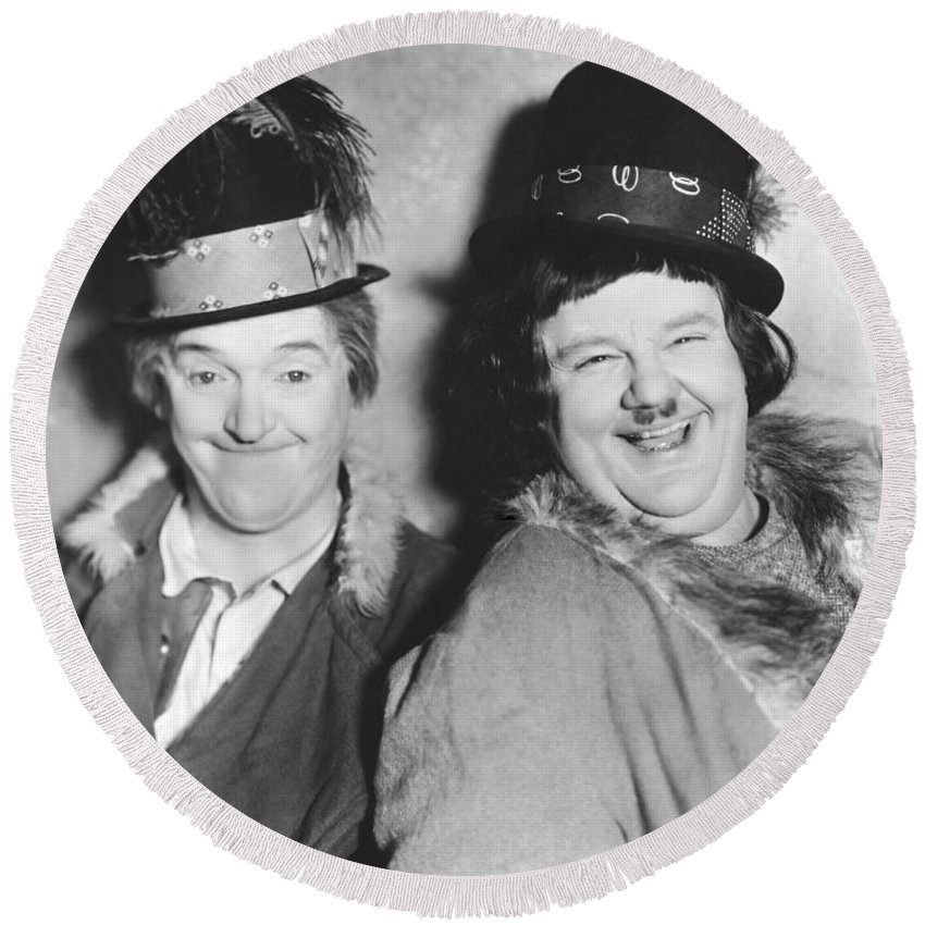 1928 Round Beach Towel featuring the photograph Laurel And Hardy by Underwood Archives