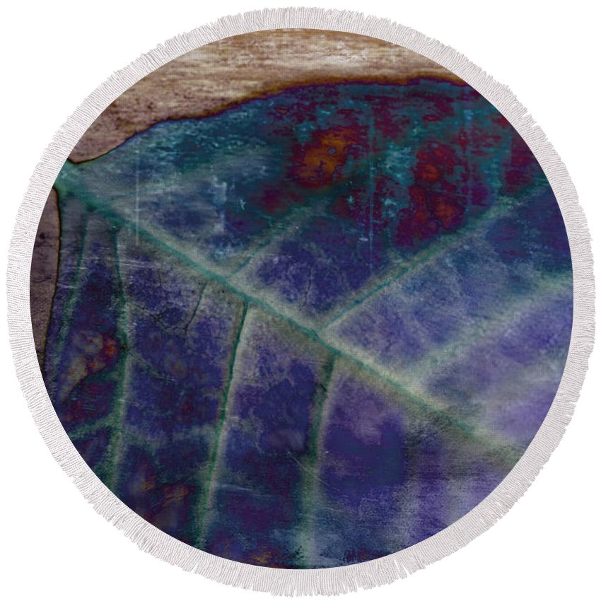 Leaf Round Beach Towel featuring the photograph Leaf Abstract by Scott Pellegrin