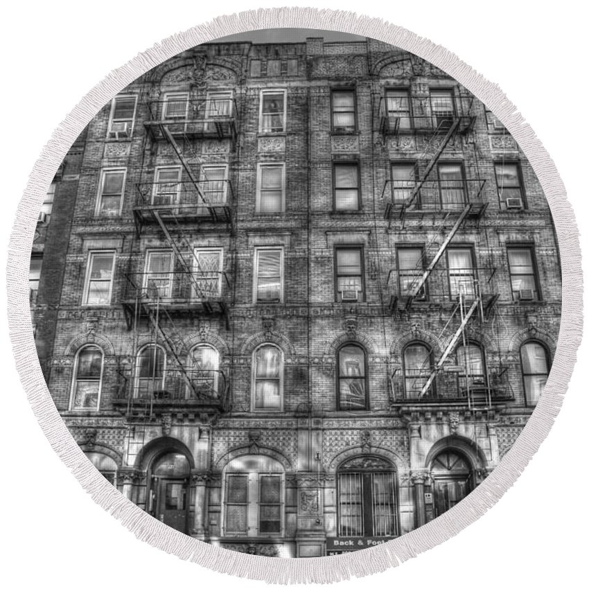 Led Zeppelin Round Beach Towel featuring the photograph Led Zeppelin Physical Graffiti Building in Black and White by Randy Aveille