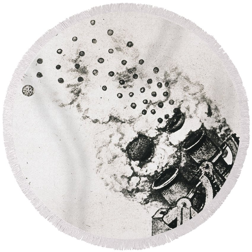 15th Century Round Beach Towel featuring the photograph Leonardo: Cannon by Granger