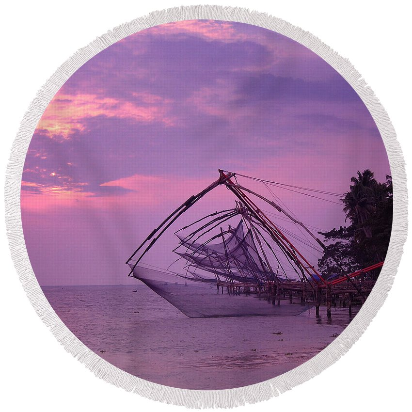 India Round Beach Towel featuring the photograph Let It All Hang Out by A Rey
