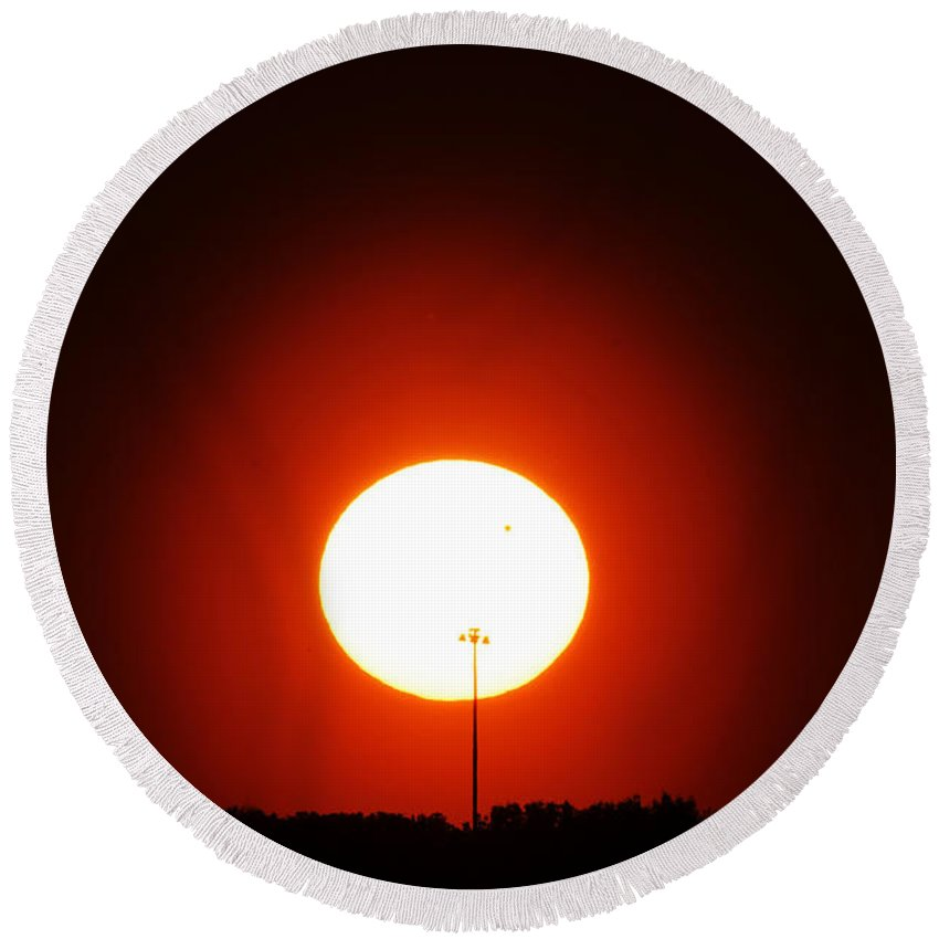 Sunset Round Beach Towel featuring the photograph Light In Light by Debbie Oppermann