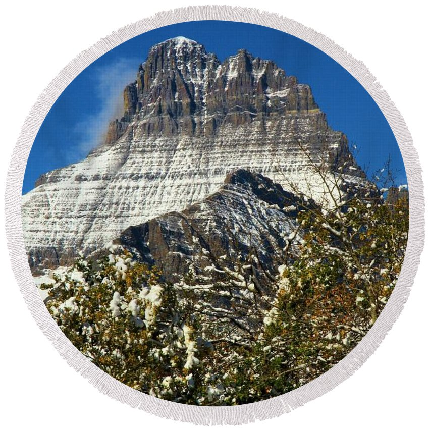 Mt Wilbur Round Beach Towel featuring the photograph Light White Blanket by Adam Jewell