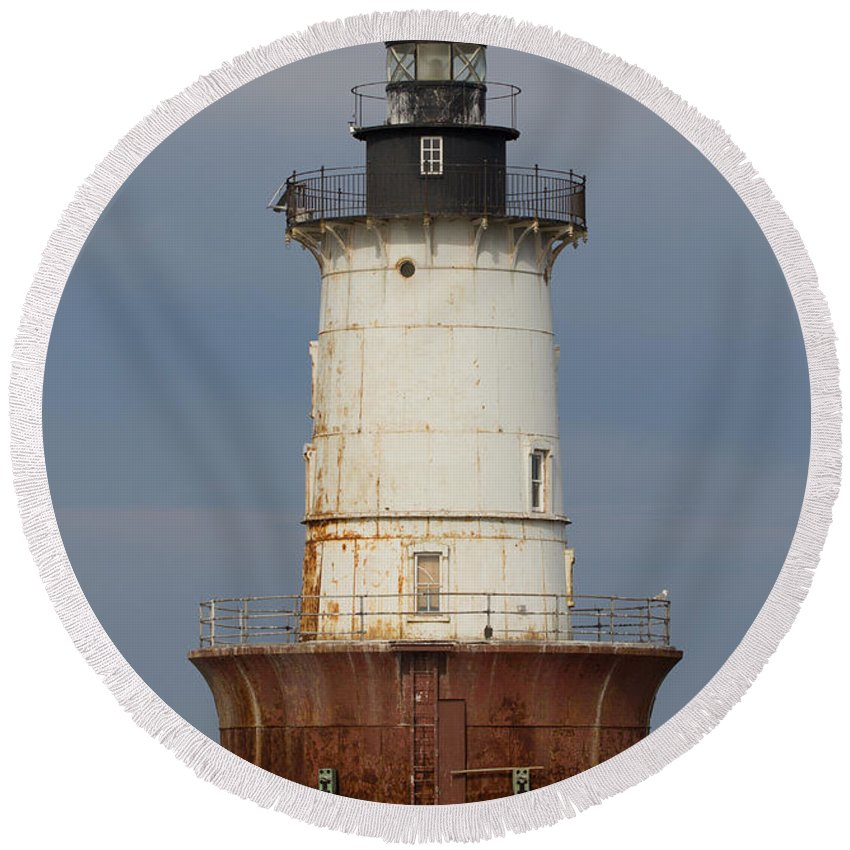 Bay Round Beach Towel featuring the photograph Lighthouse 3 by Leah Palmer