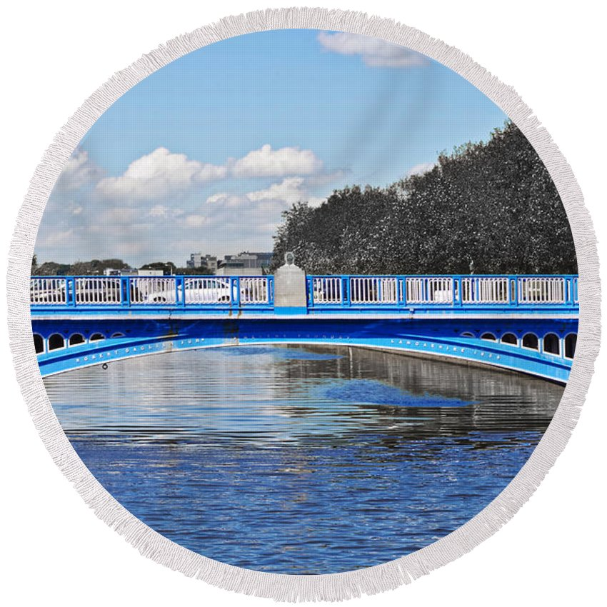 Rory O'more Bridge Round Beach Towel featuring the photograph Limited Edition Dublin Bridge by Sharon Popek