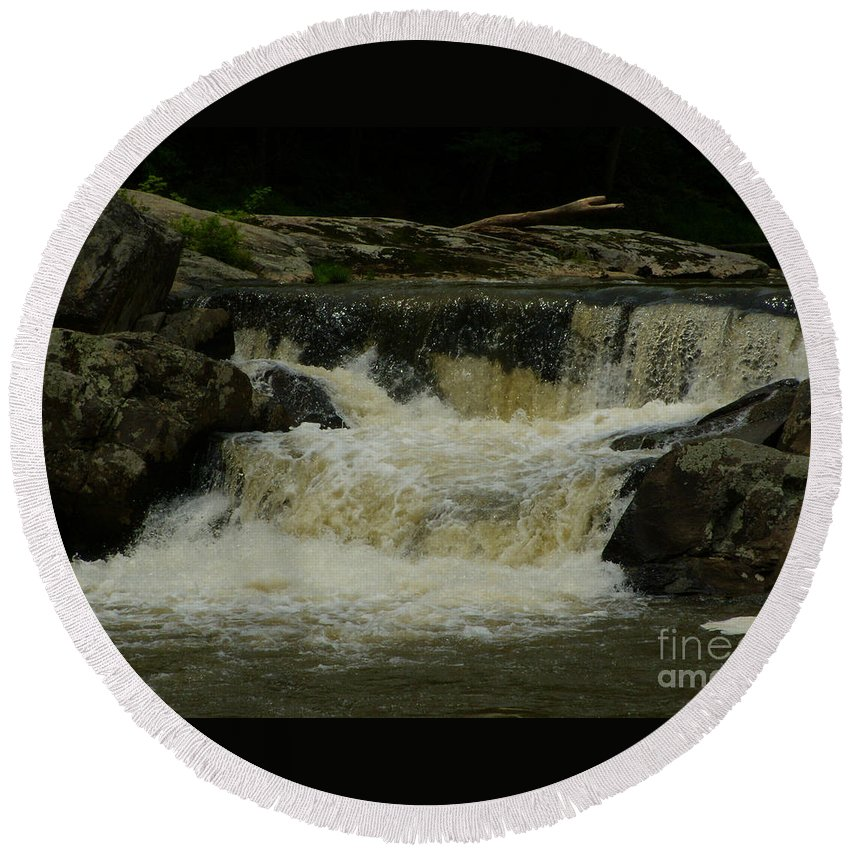 Water Fall Round Beach Towel featuring the photograph Linville Falls by Lydia Holly