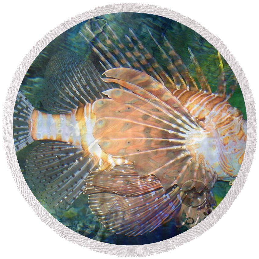 Reef Round Beach Towel featuring the photograph Lionfish by Kume Bryant