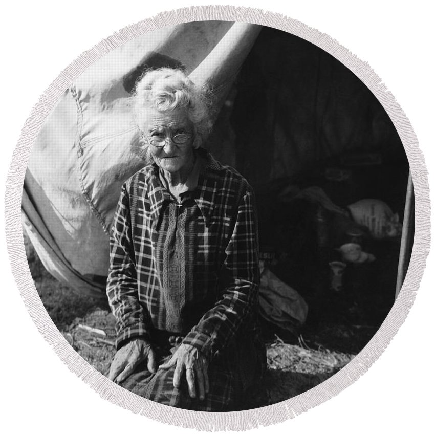 1 Person Round Beach Towel featuring the photograph Living In A Camp by Underwood Archives