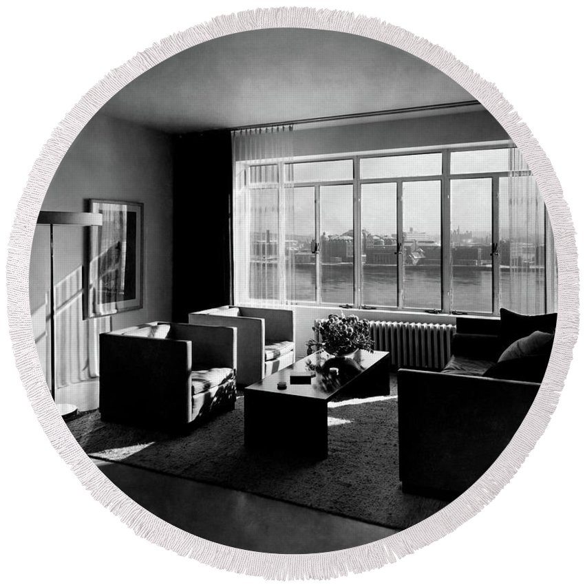 Cityscape Round Beach Towel featuring the photograph Living Room In The Ny Home Of Edward M. M by Emelie Danielson