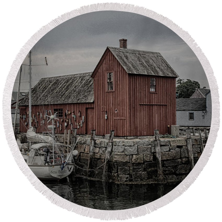 Rockport Round Beach Towel featuring the photograph Lobster Shack - Rockport by Stephen Stookey
