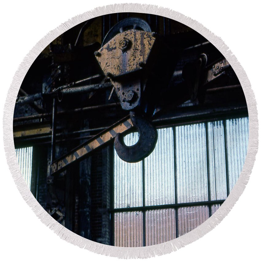 Hooks Round Beach Towel featuring the photograph Locomotive Hook by Richard Rizzo