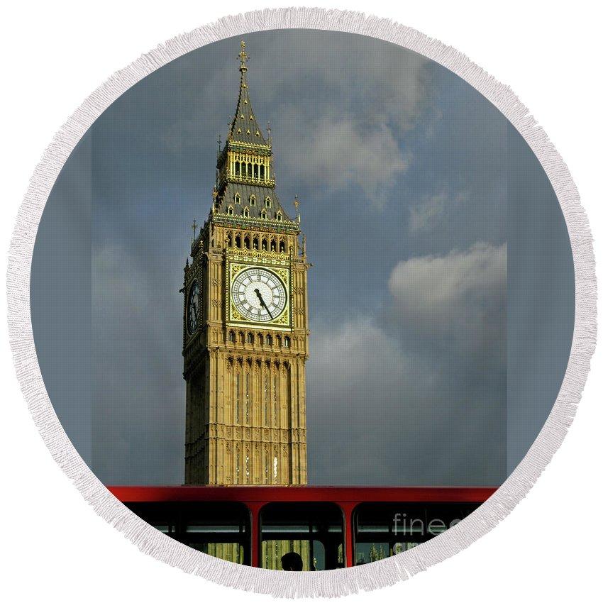 London Icons By Ann Horn Round Beach Towel featuring the photograph London Icons by Ann Horn