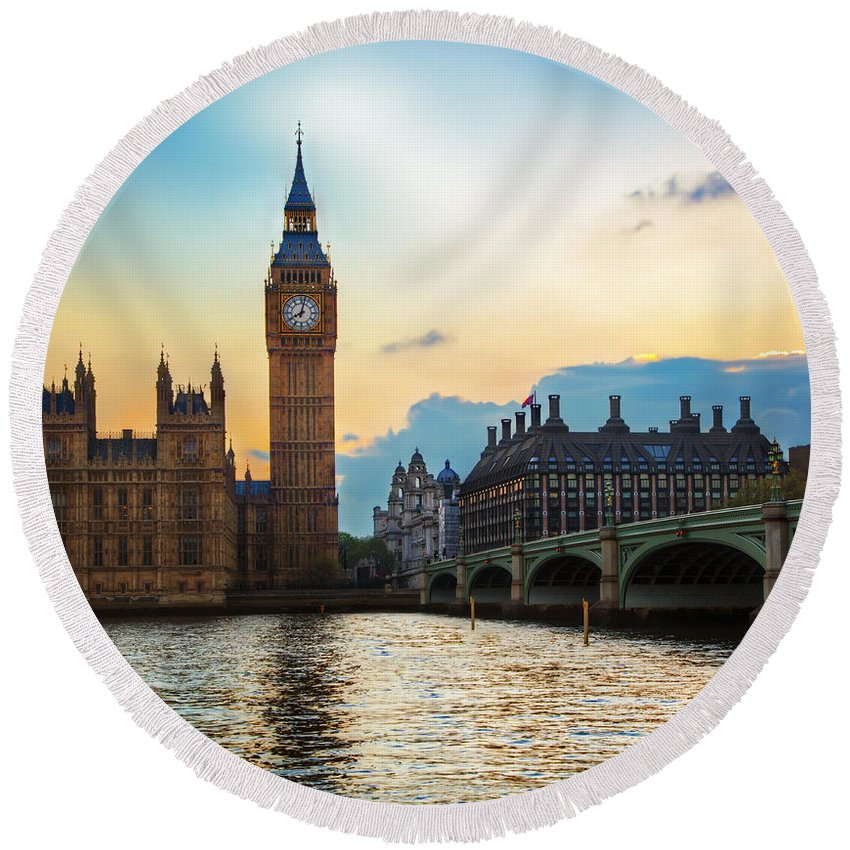 London Round Beach Towel featuring the photograph London Uk Big Ben The Palace Of Westminster At Sunset by Michal Bednarek