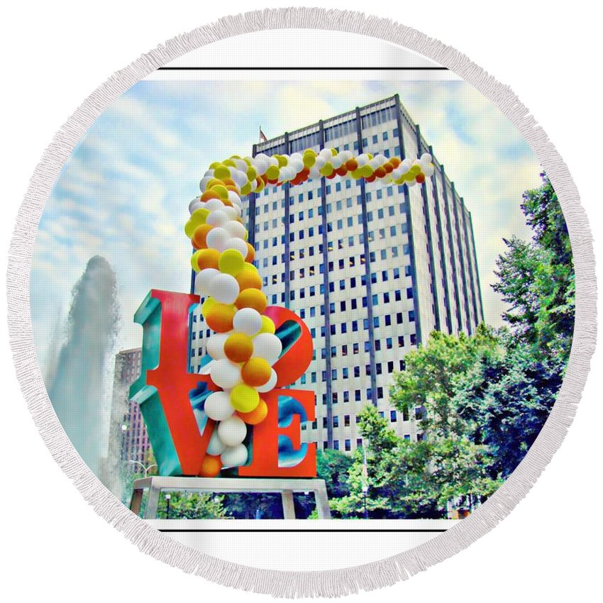 Love Park Round Beach Towel featuring the photograph Love Balloons by Alice Gipson