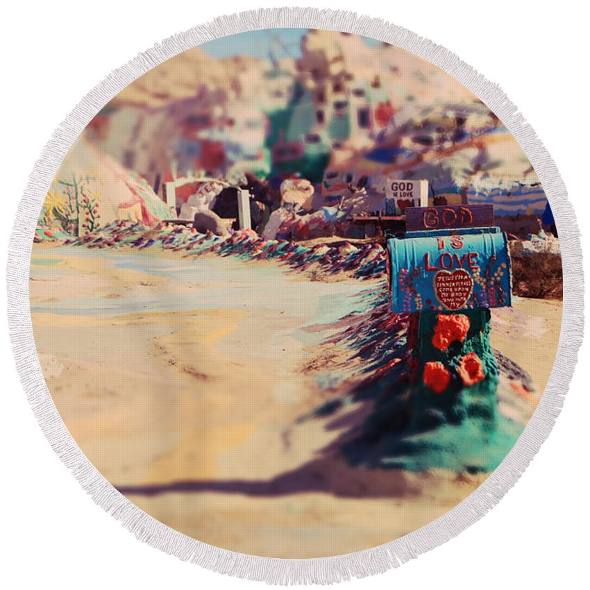 Salvation Mountain Round Beach Towel featuring the photograph Love Letters by Laurie Search