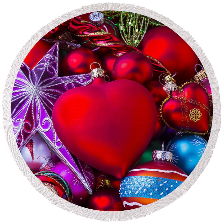 Red Fancy Round Beach Towel featuring the photograph Loving Christmas by Garry Gay