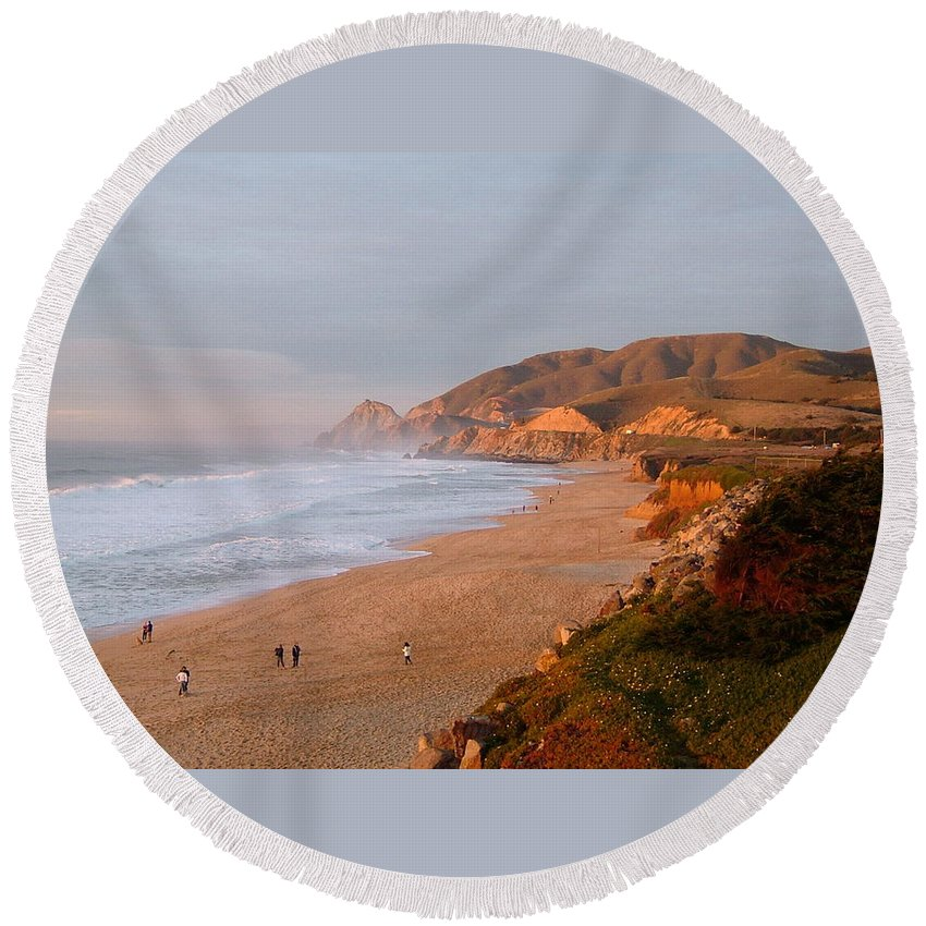 Route 1 Round Beach Towel featuring the photograph Low Sun On The Pacific by Susan Wyman