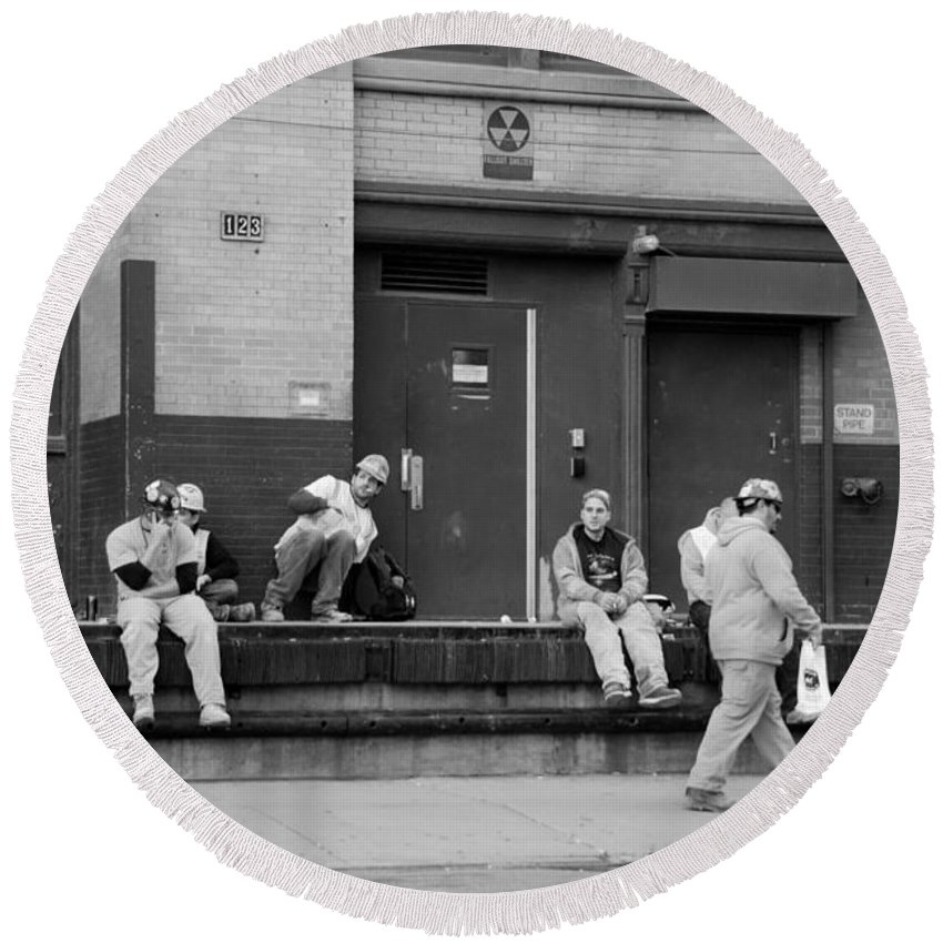 New York Round Beach Towel featuring the photograph Lunch Time In Black And White by Rob Hans