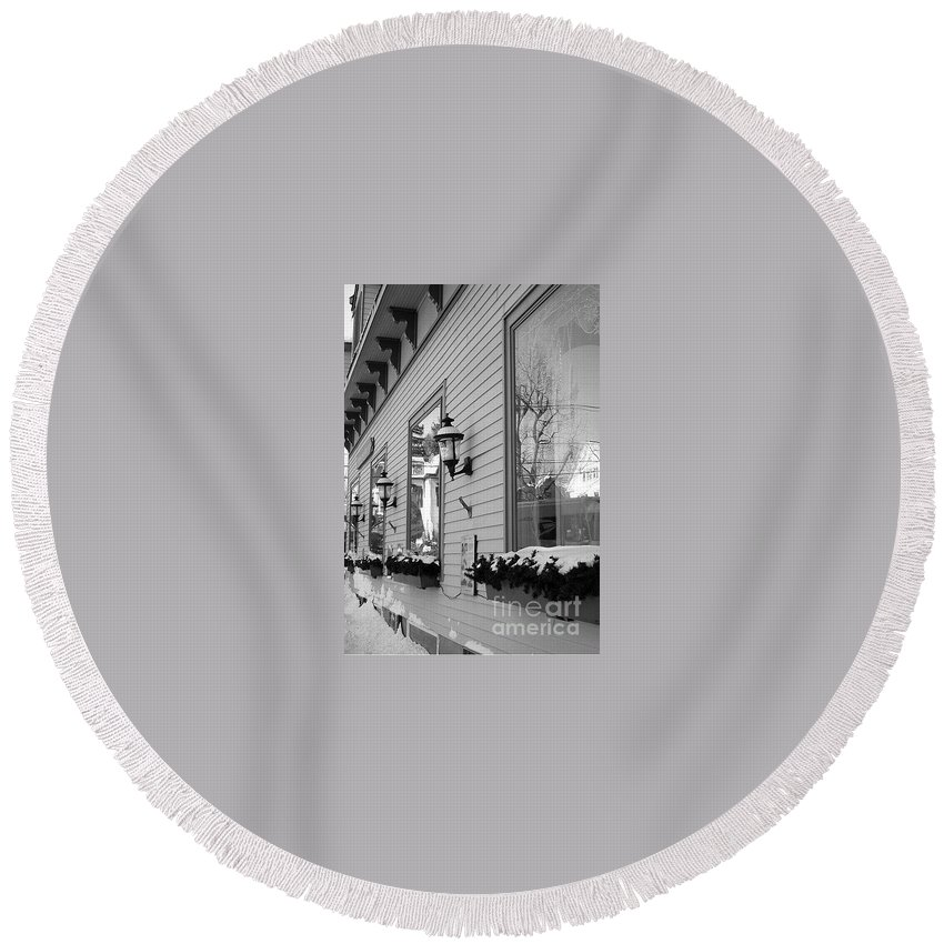 Old Town Round Beach Towel featuring the photograph Main Street Usa by Living Color Photography Lorraine Lynch