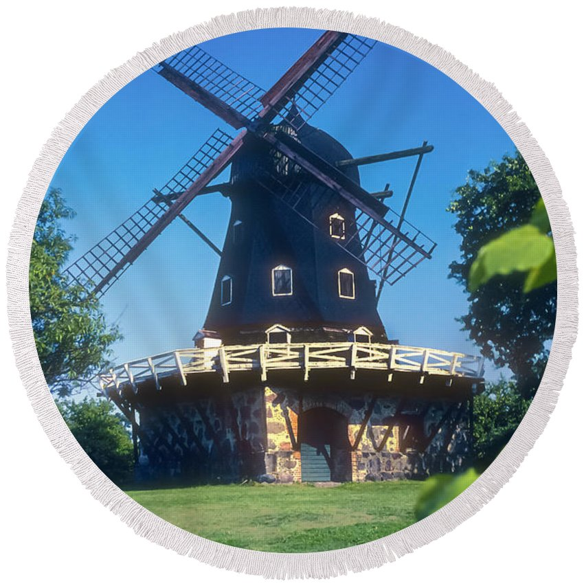 Sverige Malmö Windmill Kungsparken Malmo Windmills Mill Mills Building Buildings Structure Structures Architecture Malmo Sweden Round Beach Towel featuring the photograph Malmo Windmill by Bob Phillips