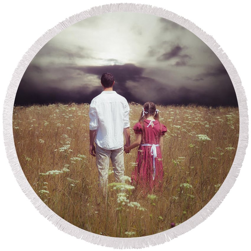 Man Round Beach Towel featuring the photograph Man And Girl by Joana Kruse