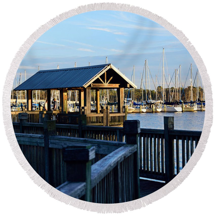 Dock Round Beach Towel featuring the photograph Mandarin Park Boathouse by Spencer Studios