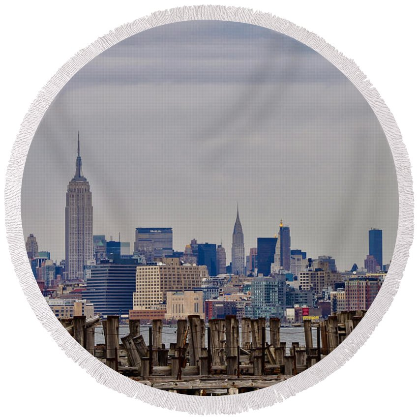 Manhattan Round Beach Towel featuring the photograph Manhattan View by Bill Cannon