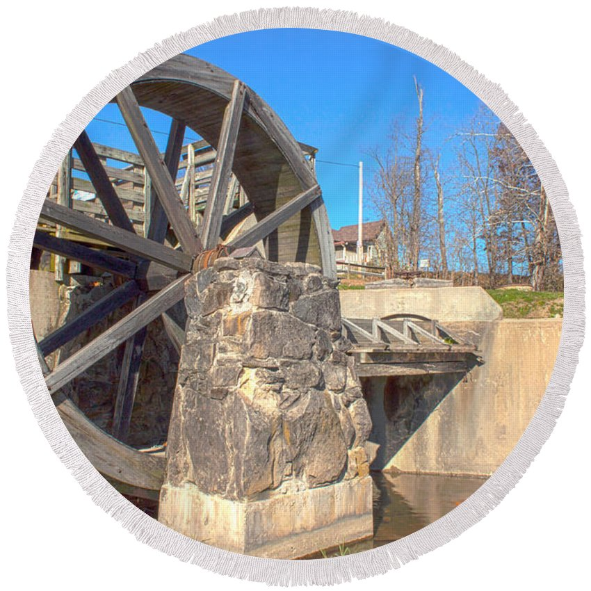 Mansfield Mill Photographs Round Beach Towel featuring the photograph Mansfield Mill Water Wheel by Thomas Sellberg