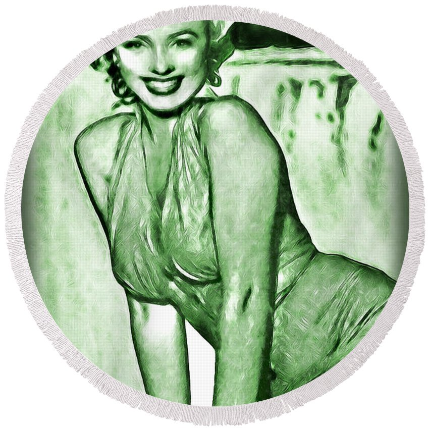 Marilyn Round Beach Towel featuring the photograph Marilyn Monroe And Niagara by Joan Minchak