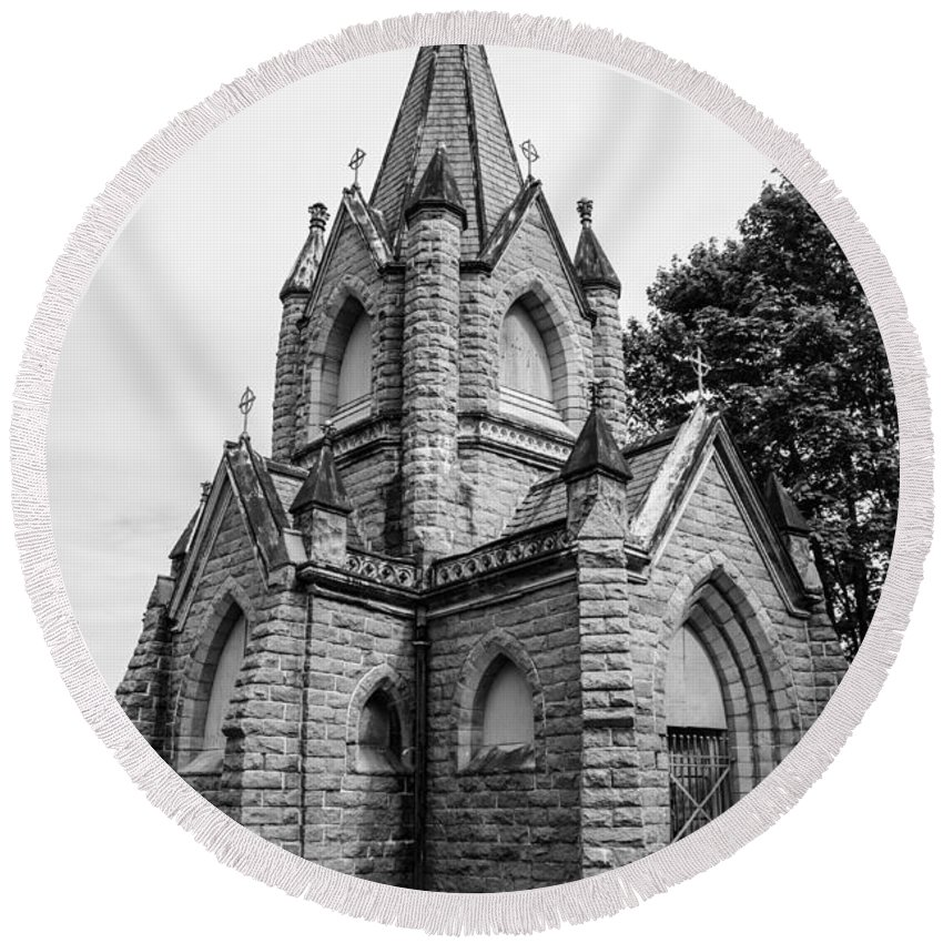 Mausoleum Round Beach Towel featuring the photograph Mausoleum New England Black And White by Michael Moriarty